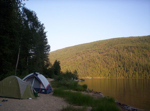 640px-Camping_by_Barriere_Lake,_British_Columbia_-_20040801